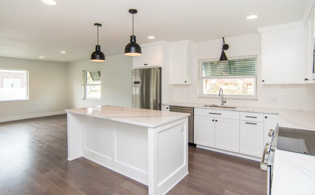 sun-bay-builders-546-rafael-blvd-ne-saint-print-007-12-kitchen-4200×2595-300dpi