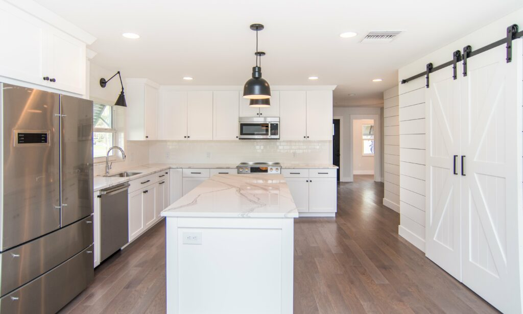 sun-bay-builders-546-rafael-blvd-ne-saint-print-009-10-kitchen-4200×2524-300dpi